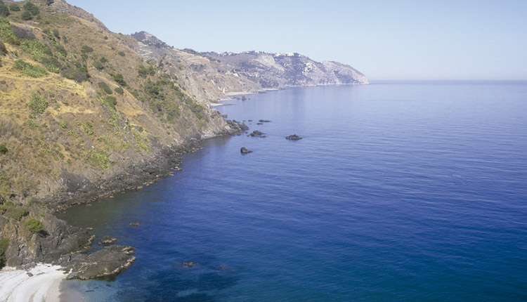 10 Malaga beaches perfect for diving