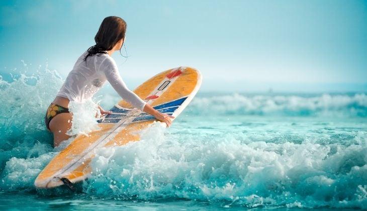 Surfear en la Costa del Sol