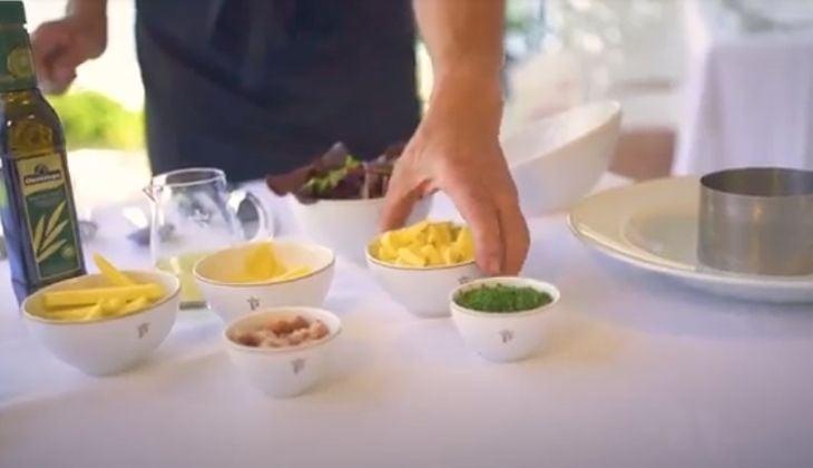 Comer en Nerja ensalada de mango