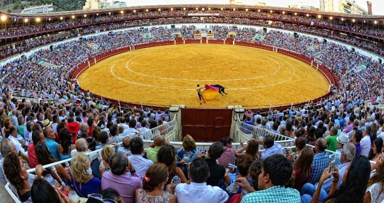 Toros en la Feria de Malaga.jpg
