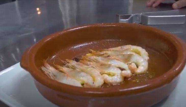 Eating in Fuengirola beach garlic shrimp