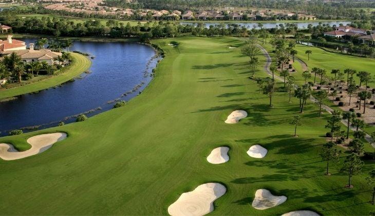 高尔夫球场沙坑