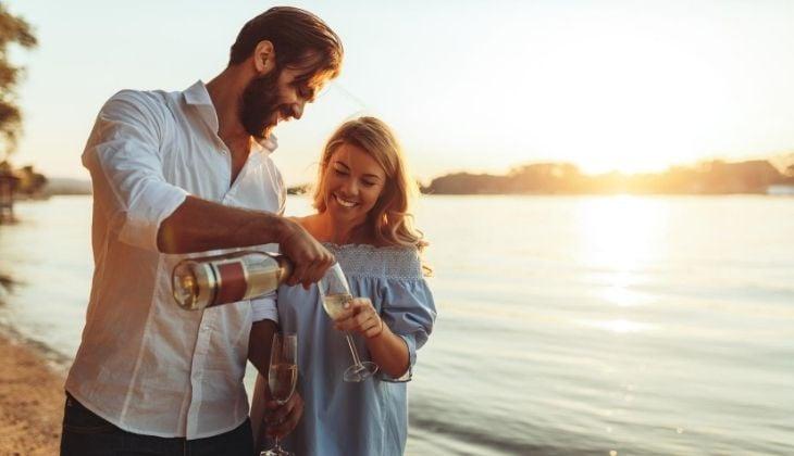 Ideas para celebrar el aniversario pareja en la Costa del Sol