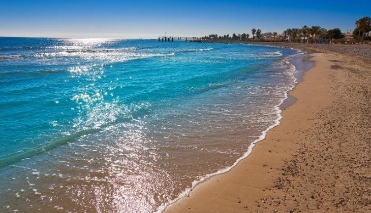 Der Strand Chilches, ein Ort zum Tauchen in Malaga