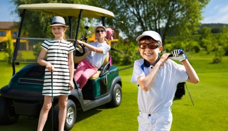 Children playing golf in Costa del Sol