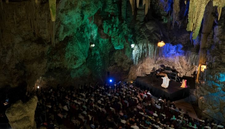 salle de la cascade, grotte de Nerja, Málaga