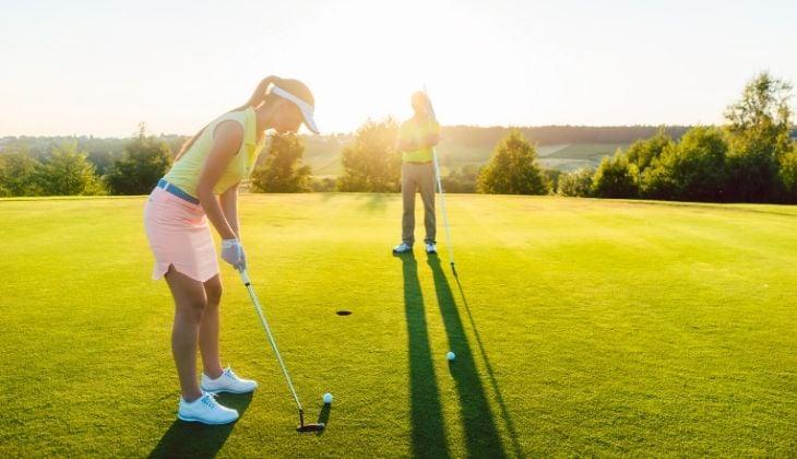 Putt playing posture, golf technique