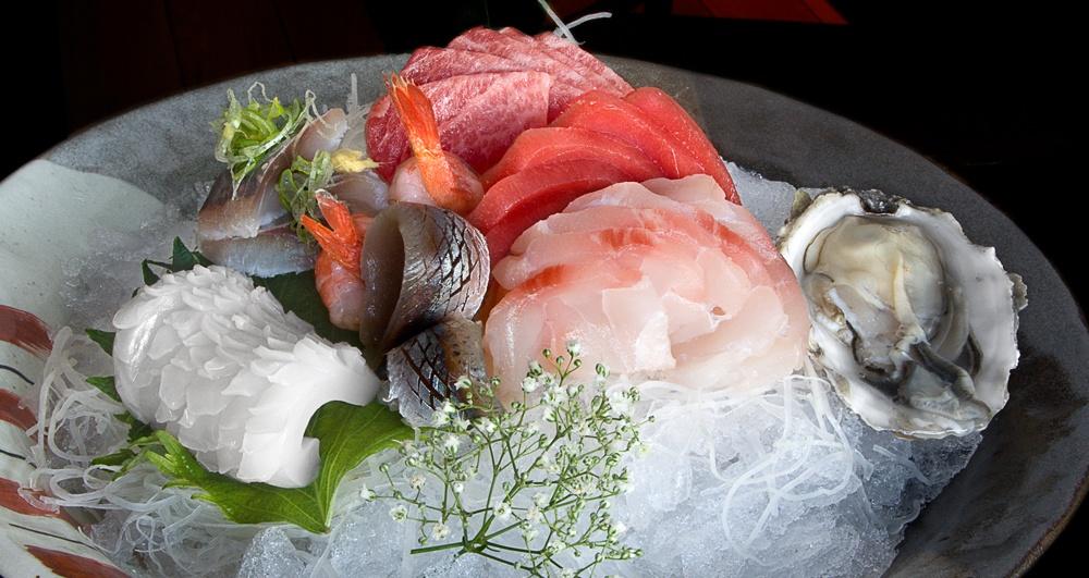 Sashimi in Kabuki Raw