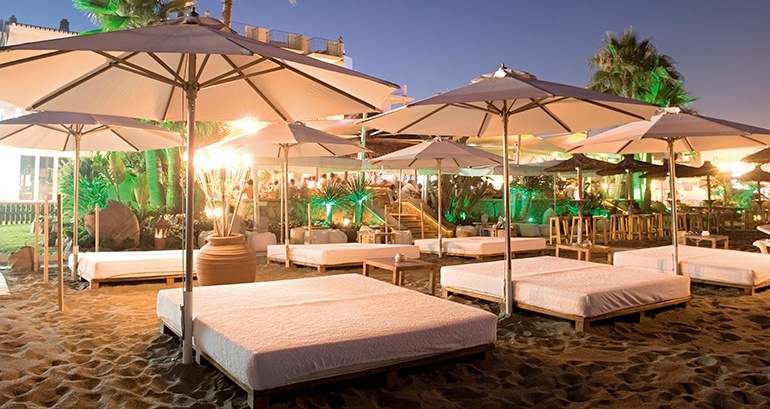 Balinese Beds Tails The Best Beach Clubs Await You On Costa Del Sol