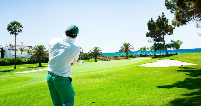 Golf courses with sea views on the Costa del Sol