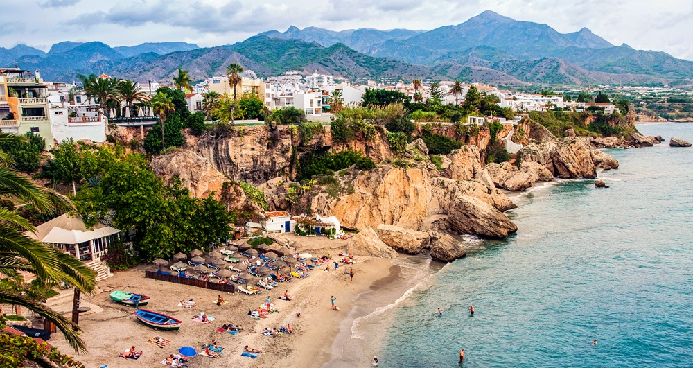 Nerja, the perfect place to study Spanish