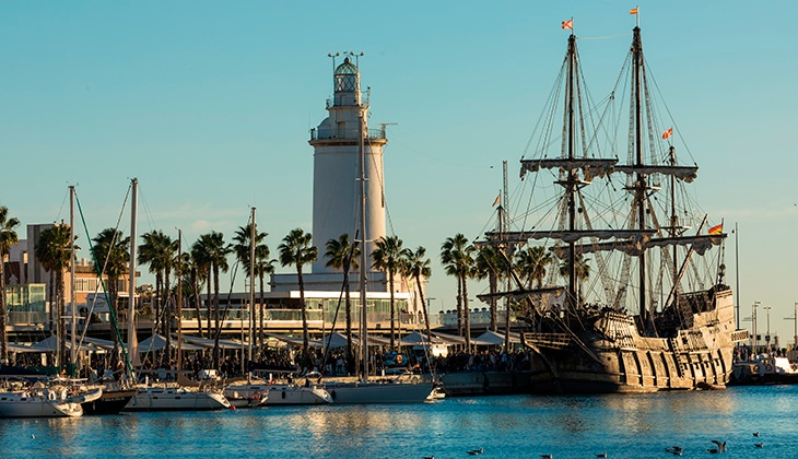 History of the Farola de Málaga