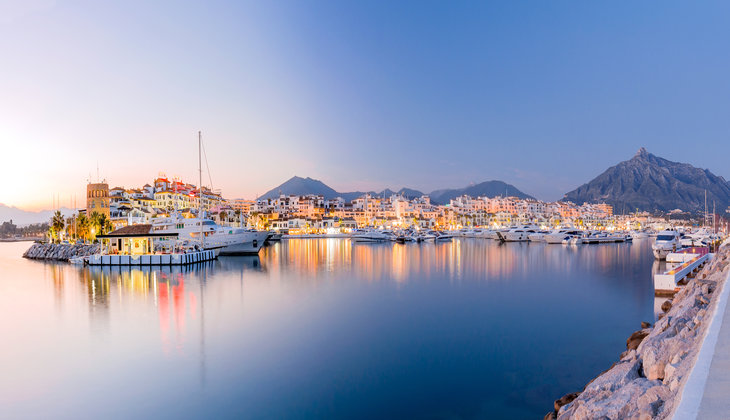 A luxury night at the Costa del Sol